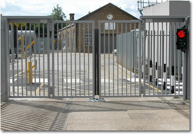 Metafence Bi Fold Speed Gates
